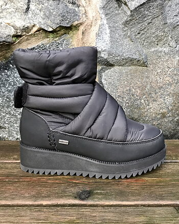 Montara Snow boots from Ugg