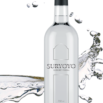Sex flaskor Suryoyo Luxury Vodka, 6 x 70 cl
