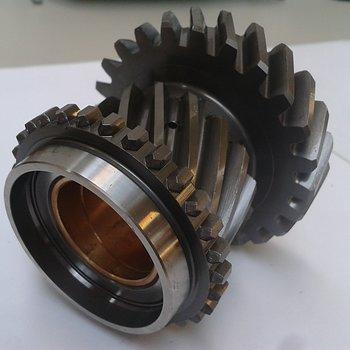Tvåans kugghjul på huvudaxel