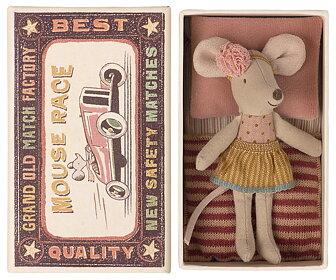 Maileg -  Lillasyster mus med kjol i tändsticksask