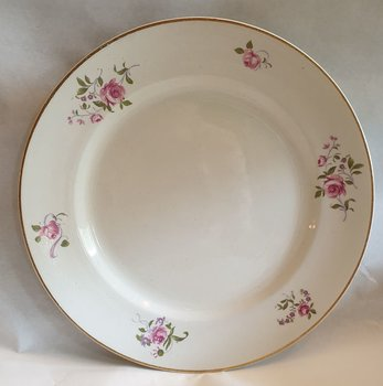 Rose bouquets dinner plate