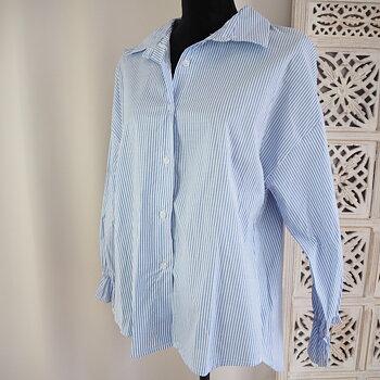 Skjorta One Size VIT/LJUSBLÅ - d´NADA