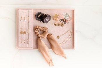 Set stor smyckesbricka & öppen ringask