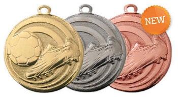 Fotbollsmedalj präglad 32 mm - Pris inklusive medaljband och valfri text på baksidan