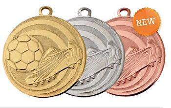 Fotbollsmedalj präglad 45 mm - Pris inklusive medaljband och valfri text på baksidan