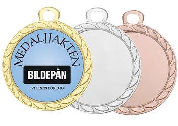 Medaljer 32 mm - Pris inklusive valfritt motiv, medaljband och valfri text på baksidan