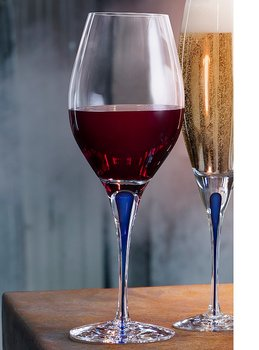 Intermezzo Blue Balance Wine Glass