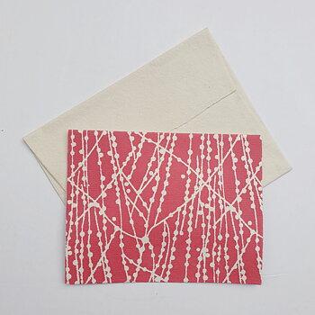 Dubbelt kort med kuvert vita prickar