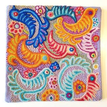 Kuddfodral handbroderad ull lila fåglar