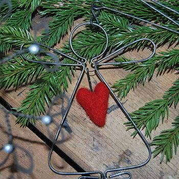 Trådängel Kerstin med ullhjärta