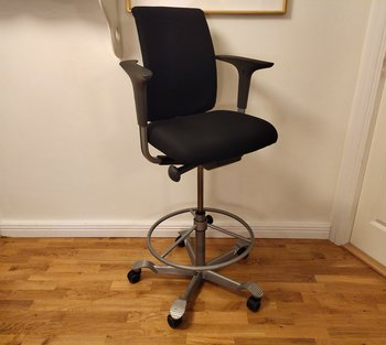 Office chair, HÅG H05 with high gas lift and footrest