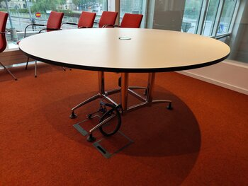 Round conference table with electrical socket - 180 cm