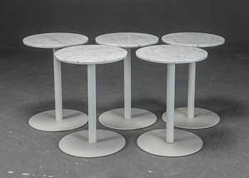 Café table in marble with metal base