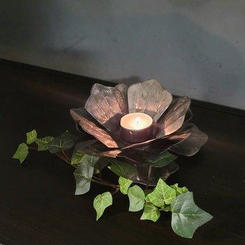 Ljushållare Blomma ,gyllensvart 18 cm