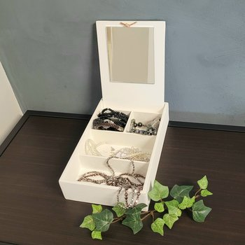 """Wooden box """"Jewelry"""" with mirror"""