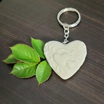 Nyckelring hjärta med två hjärtan