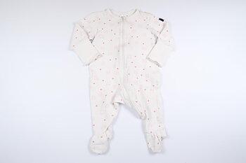 Vit långärmad pyjamas från Polarn o. Pyret i storlek 62/68