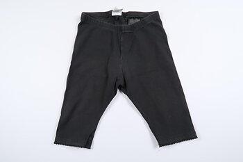 Gråa korta byxor från H&M i storlek 80