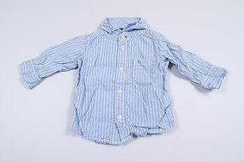 Blå skjorta från carter´s i storlek 3 mån