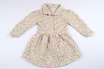 Blommig långärmad klänning i storlek 74/80