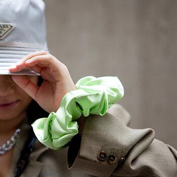 MEGA Scrunchie Soft Green