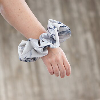 MEGA Scrunchie White Marble