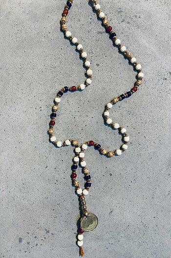 Halsband Ajlajk med glaspärlor