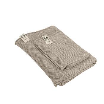 Handduk i stickad ekologisk bomull by Iris hantverk