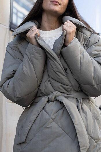 Neo Noir -Alia Puffer Jacket Oliv