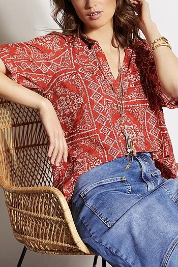 In Front - Texas Blouse Red
