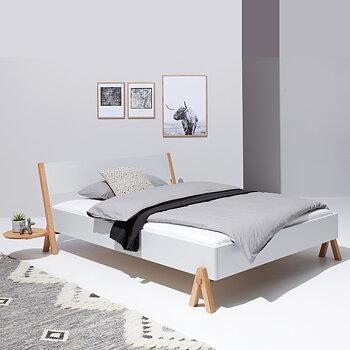BOQ seng med hovedgærde