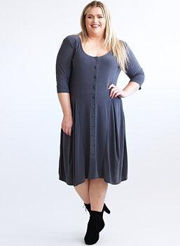 Klänning med knappar och vippig kjol, grå
