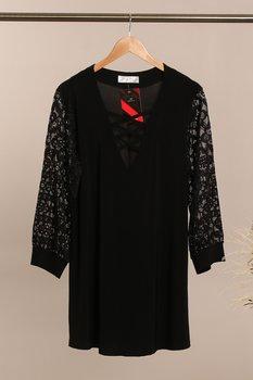 Tunika med snörning i ringning och spets i ärm, svart