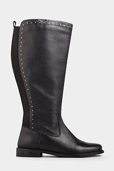 Stövel med silvernitar i äkta läder , svart