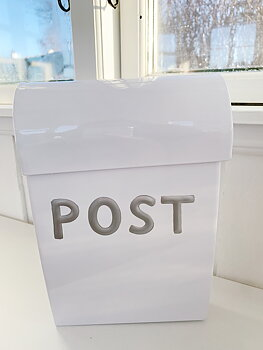 Mini  mailbox  White