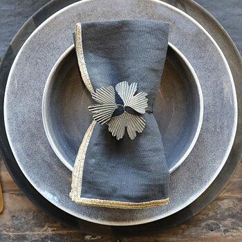 Leaves napkin ring