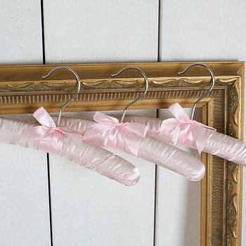 Satin hanger in pink and a bow 3pieces