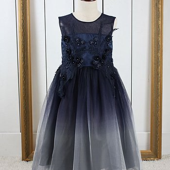 Navy princess dress in tulle with flowers and embroidery long