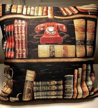 Bokvännens kuddöverdrag : Bokhylla med telefon 51x51 cm