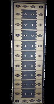 Röllakanmatta Vinga 80 x 250 cm finns i  blå