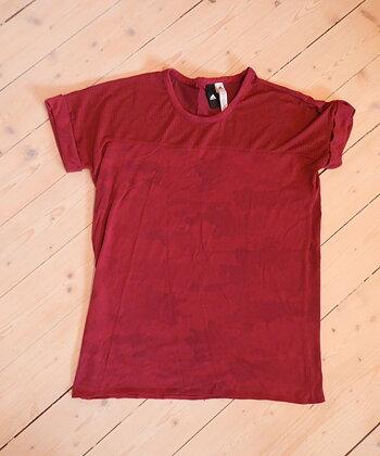 Adidas tränings-t-shirt strl S / 34-36