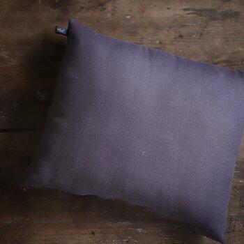 Lokalt hantverk kudde-  grålila