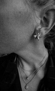 Pearl kluster ear silver