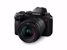 PANASONIC LUMIX S5 + 20-60mm f/3.5-5.6 KIT