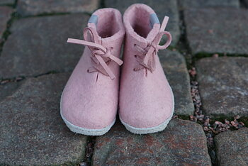 Baby slippers in filt - Pink