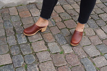 Hagatoffeln, clog - with higher heel brown